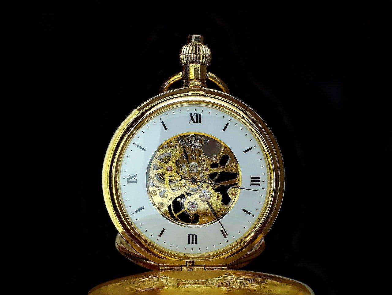 Quels sont les différents types de remontoirs de montre?